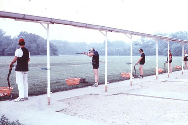 Schützenstände von hinten